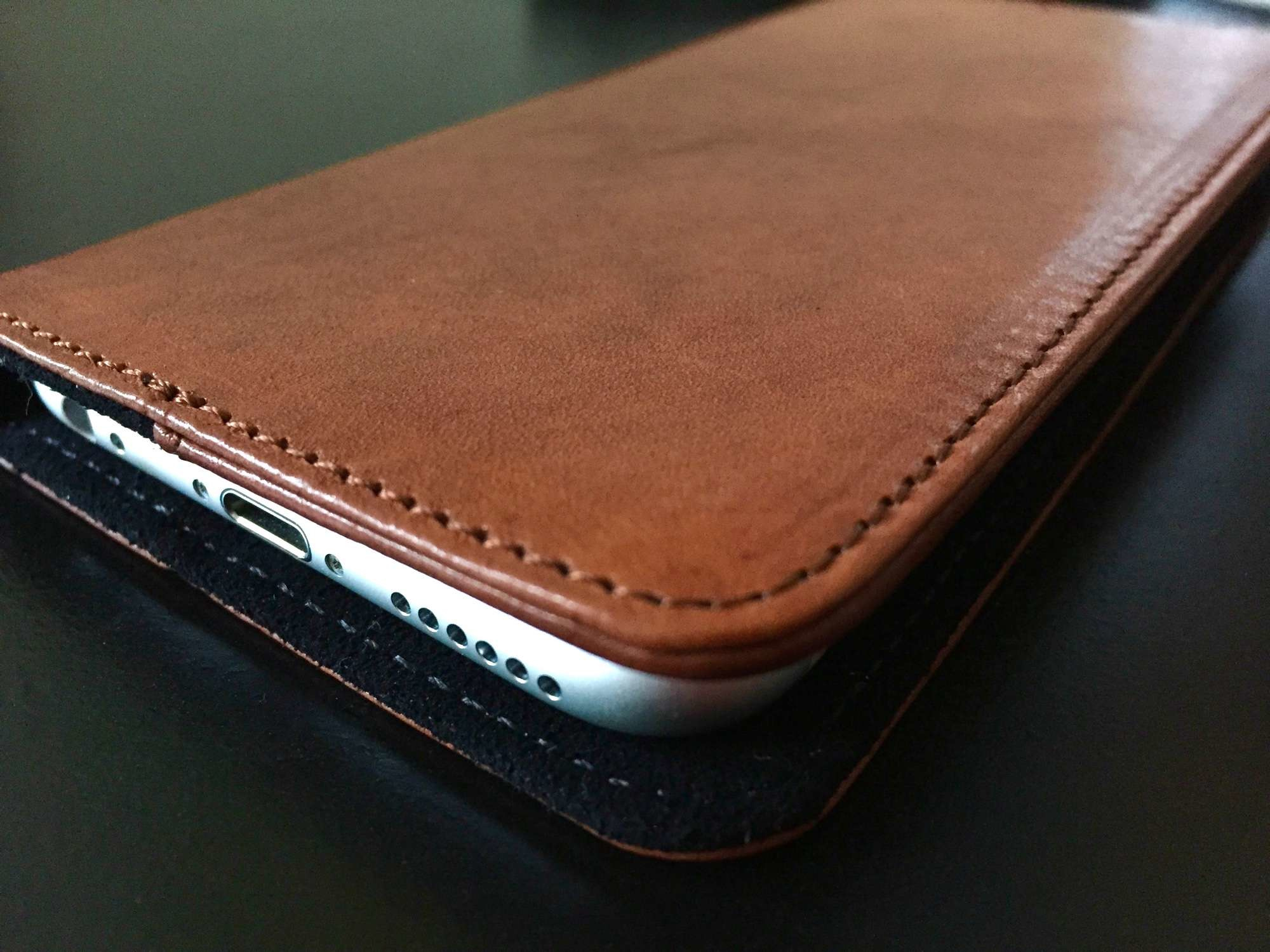 The Slimmest and Stylish iPhone Cases That Grab Eyeballs Every time - Image 3